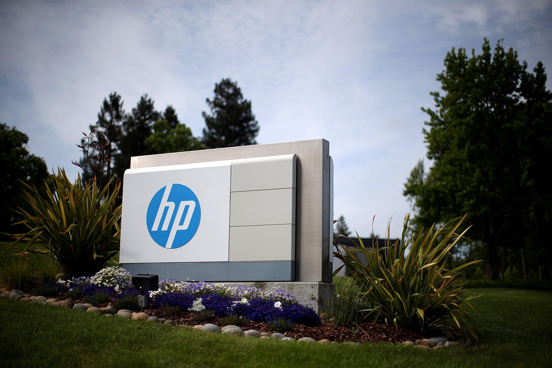 Ce cifră de afaceri şi ce număr de angajaţi au raportat în România firmele controlate de HP INC şi Hewlett Packard Enterprise