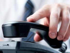 Piaţa de telefonie fixă a pierdut 350.000 de clienţi şi aproape o jumătate din venituri în cinci ani