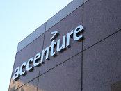 """Accenture va înfiinţa 15.000 de joburi pentru specialişti IT """"de top"""" în SUA"""