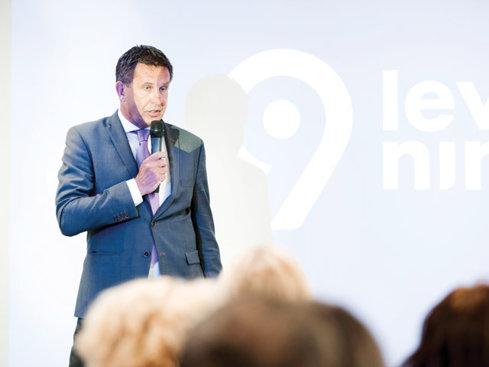 """Olandezii de la Levi9 au în plan să ajungă de la 135 la 300 de angajaţi în Iaşi în următorii doi ani. """"Dacă, spre exemplu, în Olanda costul mediu al unui programator e de 75 de euro pe oră, în România acesta este de 35 de euro pe oră."""""""