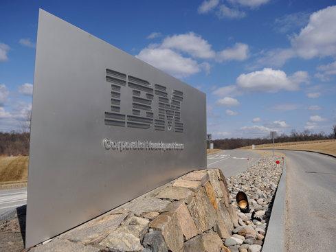 Acţiunile IBM au înregistrat cea mai mare creştere din ultimii 8 ani