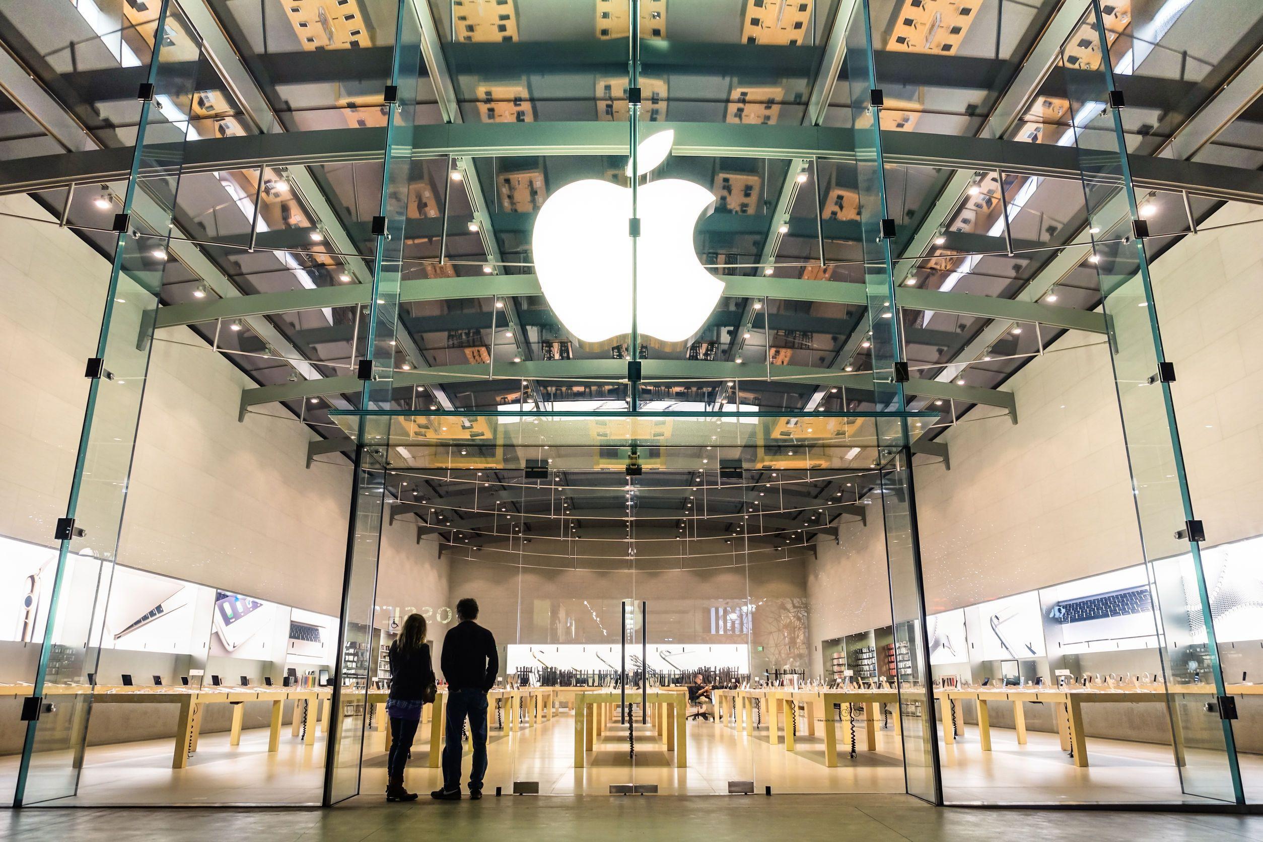 Apple a venit în România: gigantul american şi-a înfiinţat propria companie şi va intra direct în războiul de pe piaţa de smartphone-uri, tablete şi PC-uri