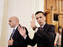 Guvernul Grindeanu pleacă acasă, dar urmează două săptămâni agitate până la instalarea noului Cabinet