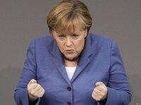Un nou război în Europa: politicienii Germaniei şi-au pierdut răbdarea cu derivele autoritare ale lui Erdogan şi ameninţă voalat Turcia cu sancţiuni economice