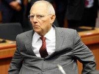 Puternicul ministru german de finanţe sare în apărarea Ungariei, respingând ideea blocării unor fonduri europene către Budapesta