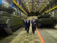 Rusia lui Vladimir Putin: o economie vulnerabilă, dependentă de petrol şi gaze, în curs de centralizare, cu venituri în stagnare şi cu cheltuieli mai mari ca niciodată pentru întărirea armatei