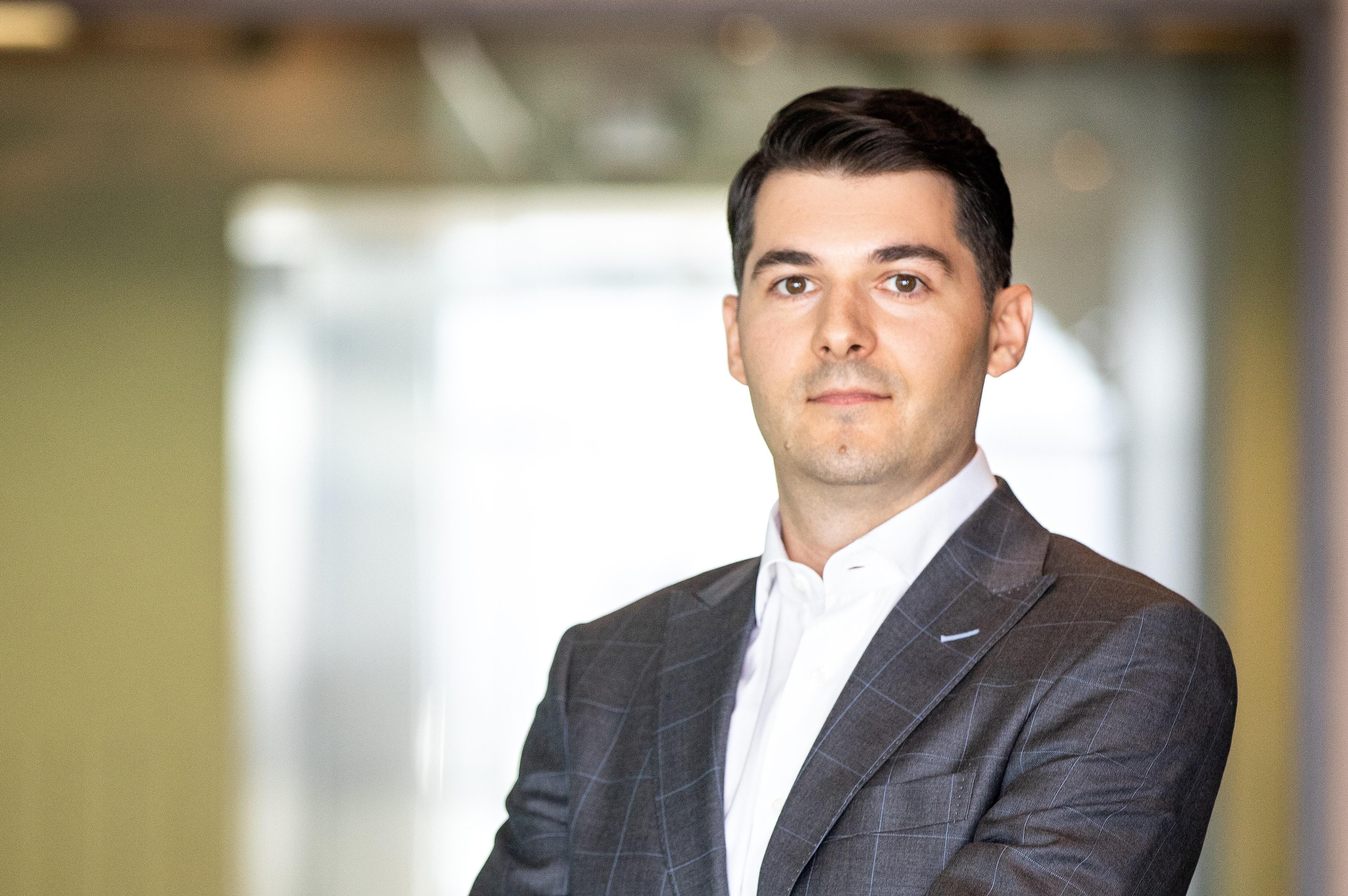 Opinie Adrian Teampău, Partener Asociat, Divizia Impozite indirecte, EY România: Cine beneficiază de 5% TVA destinată serviciilor de restaurant şi catering?