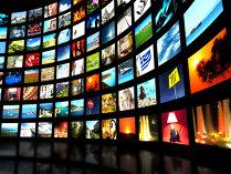 Apropierea sărbătorilor de iarnă a dus alimentele şi băuturile pe primul loc în topul reclamelor la TV