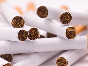 Studiu KPMG: Românii fumează 1 din 10 ţigări de contrabandă traficate la nivelul Uniunii Europene