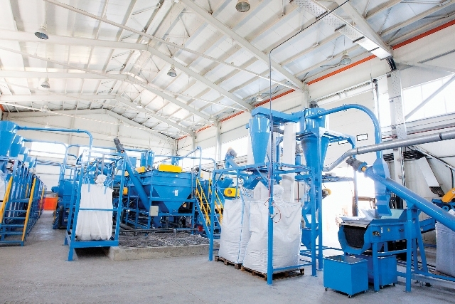 Romcarbon creşte cu 15% producţia de mase plastice la fabrica din Buzău