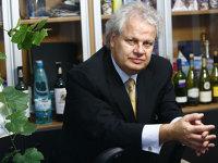 Jean Valvis discută vânzarea Dorna Agri, cu 8.000 de hectare în Călăraşi