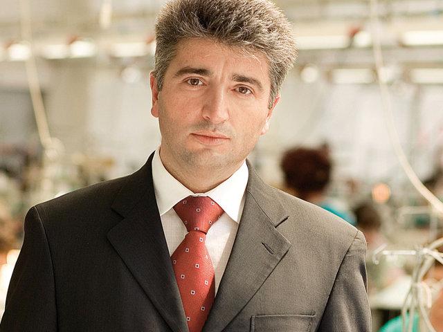 Antreprenorul german care a luat fabricile lui Burci a preluat de la BCR o creanţă de 117 milioane de lei la Jolidon Cluj
