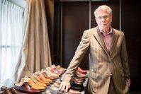 Românul care încalţă cei mai importanţi lideri ai lumii: produce 300 de perechi de pantofi anual, iar o pereche costă 1.000 de euro
