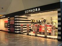 """Sephora şi Douglas controlează 70% din piaţa de cosmetice de lux. Retailerii """"independenţi"""", tot mai puţin vizibili"""