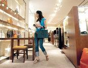 Piaţa mondială a luxului va creşte peste aşteptări în acest an datorită clienţilor din China şi din Europa