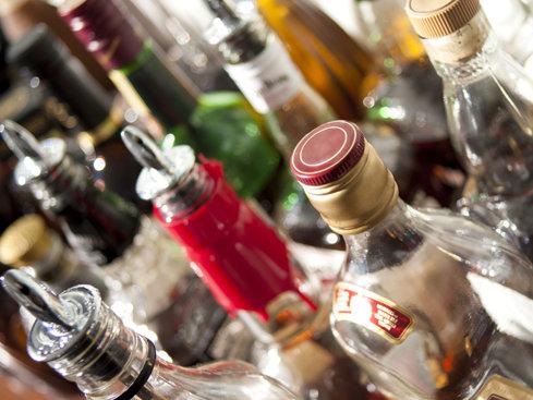 Producătorul de băuturi spirtoase Prodvinalco: Scăderea accizei la alcool a adus o revigorare a pieţei