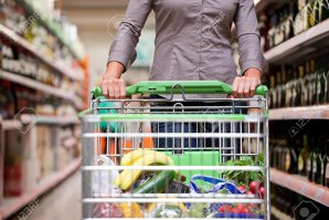 Industria alimentară a ajuns la 55 mld. lei: mezelurile, sucurile şi pâinea ocupă primele trei locuri în producţia de alimente