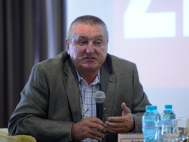 """Proprietarul Agroserv Măriuţa a luat un credit de 2,8 mil. euro de la Banca Transilvania pentru construirea unei fabrici de procesare a laptelui. """"Nu rentează să exportăm materia primă, vrem să creştem valoarea adăugată."""""""