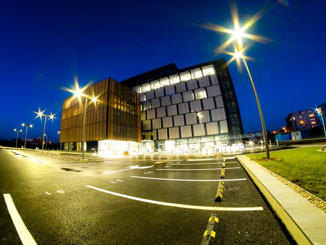 Lidl şi-a mutat cei 315 angajaţi în noul HQ din Aviaţiei, dar păstrează trei etaje din vechiul sediu