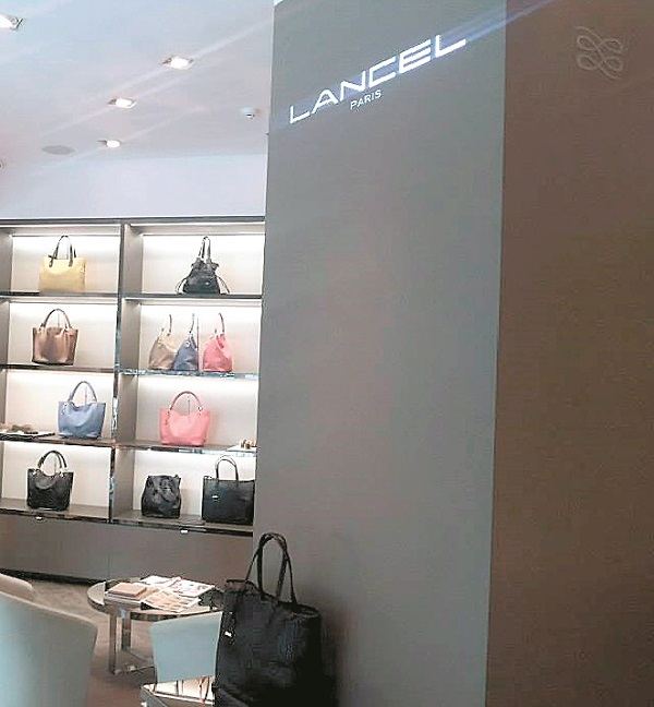 Magazinul Lancel din mallul Băneasa se închide pe 2 aprilie din cauza vânzărilor scăzute