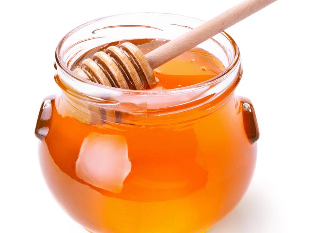Compania Apicola Costache din Ialomiţa face 22 milioane de lei din producţia şi comercializarea mierii