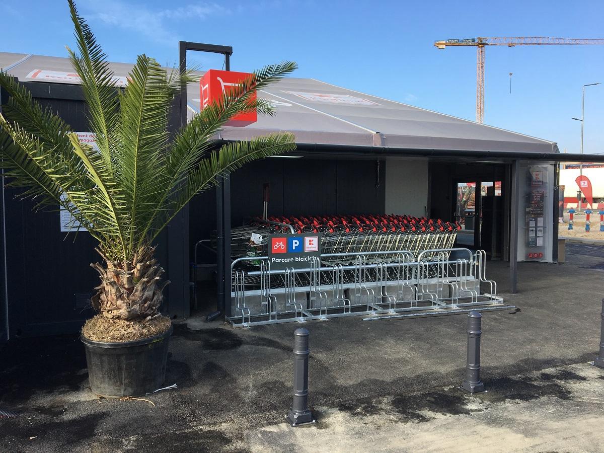 Nemţii vor să cucerească fiecare loc din România: reţeaua Kaufland deschide primul magazin amenajat într-un cort pe litoral, în Mamaia Nord