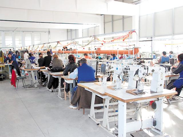 Valenti Impex din Bihor, unul dintre cei mai mari producători de încălţăminte din România, a concediat 800 de salariaţi şi a renunţat la o mare parte din producţie
