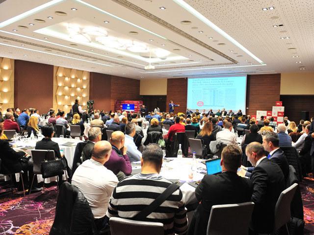 """Conferinţa ZF """"România 100 de ani de business"""", Craiova. Antreprenorii din Craiova: Agricultura, IT-ul şi producţia de locomotive sunt domeniile de viitor în Oltenia"""