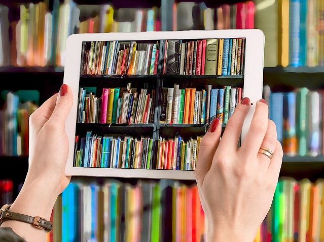 """Topul celor mai vândute cărţi în vreme de pandemie. """"Această perioadă a  adus în online"""