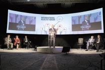Conferinţa producătorilor de medicamente generice. Premierul Sorin Grindeanu: Sper ca în viitor să vorbim mai mult de exporturi reale de medicamente, nu de exporturi paralele