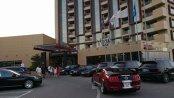 Staţiunea Mamaia în weekend: restaurante pline, şezlonguri ocupate şi maşini de lux în parcări la cinci stele. Galerie FOTO