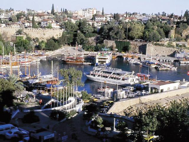 Paralela 45: Vânzările de pachete turistice în Antalya au crescut cu 30% în acest an
