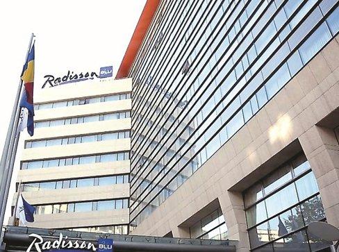 Revetas Capital, proprietarul parcului comercial Vitantis din Capitală, cumpără hotelul Radisson cu peste 177 mil. euro
