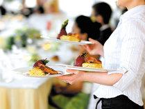 Criza de pe piaţa muncii în turism. Şeful hotelului Aurelius din Poiana Braşov: Avem trei cameriste din Nepal, am lucrat şi cu filipineze