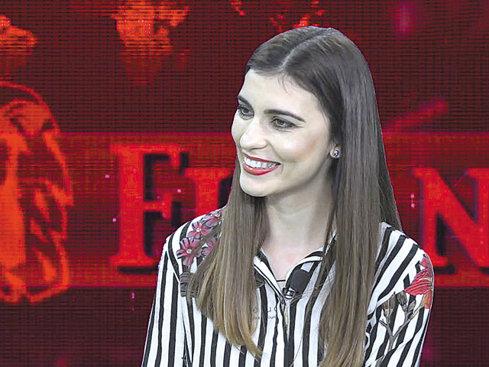 """ZF Live. Ana Maria Tutoveanu, fost însoţitor de bord: Ca stewardesă câştigam în jur de 2.500 de euro lunar. """"În cinci ani am văzut peste 90 de ţări"""""""