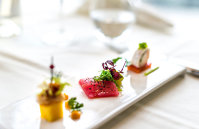 Un ghid internaţional similar cu ghidul Michelin începe evaluarea mai multor restaurante din România