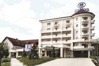 Creşterea ROBOR trimite hotelul Hilton Sibiu să caute parteneri din afara sistemului bancar pentru o investiţie de 2 mil. euro