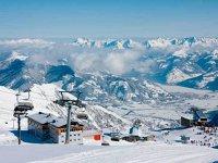 Vacanţe de peste 200 mil. euro, dar nu pe Valea Prahovei: peste 180.000 de români îşi vor petrece vacanţa la schi în Austria în acest sezon de iarnă