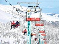 Investiţii lângă pârtiile de schi. Administratorul domeniului schiabil Şureanu din Alba ridică un hotel de cinci stele cu 56 de camere