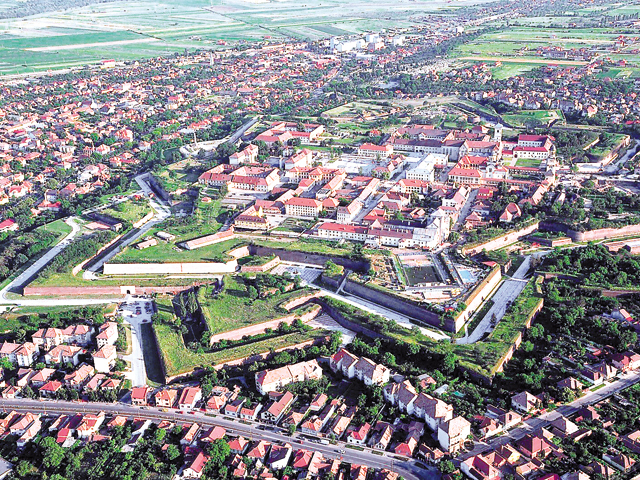 Studiu: 1 Decembrie scumpeşte de 4 ori cazarea în Alba Iulia şi umple aproape toate hotelurile şi pensiunile