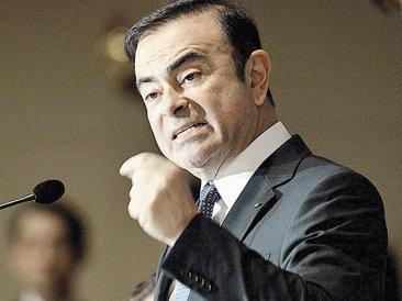 Carlos Ghosn, puternicul şef al gigantului auto Renault, a primit un nou mandat de patru ani în fruntea companiei