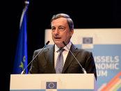 Preşedintele BCE îşi susţine politicile de relaxare monetară în faţa criticilor