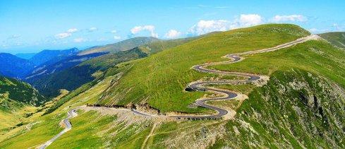 """Traficul pe Transalpina s-a redeschis, dar numai pe timp zi. Între ce ore puteţi circula pe """"Drumul Regelui"""""""