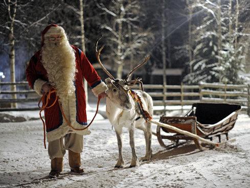 Hotelierii din Laponia cred că Moş Crăciun va primi acasă un număr record de vizite în sezonul 2017