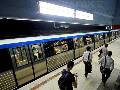 Metrorex închide accesul la intrările unor staţii de metrou