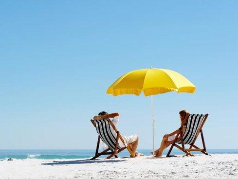 Ministrul Turismului: Hotelurile ar putea administra suprafeţe de plajă în funcţie de numărul locurilor de cazare