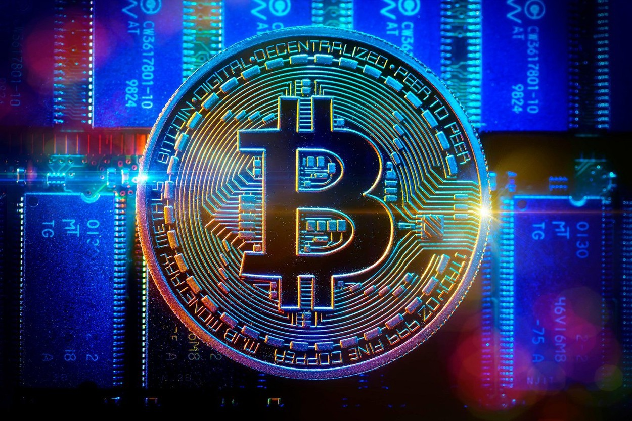 Infografice | Am investit 2.000$ în crypto acum două luni. Câți bani mai am?