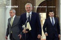 De câte voturi are nevoie Coaliţia PSD-ALDE pentru a dărâma Guvernul Grindeanu