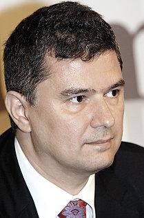 Preşedintele executiv al PMP, Valeriu Steriu: Dragnea a participat la 9 din 60 de şedinţe; Vom cere demisia sa de la conducerea Camerei