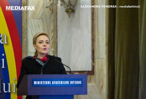 Ministrul de Interne, Carmen Dan: Românii din străinătate pot depune actele pentru paşapoarte şi la consulate